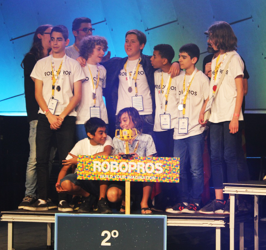 escola-sant-felip-neri-robopros-robotica-first-lego-league